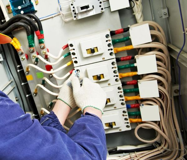 How To Diagnose Common Workplace Electrical Issues